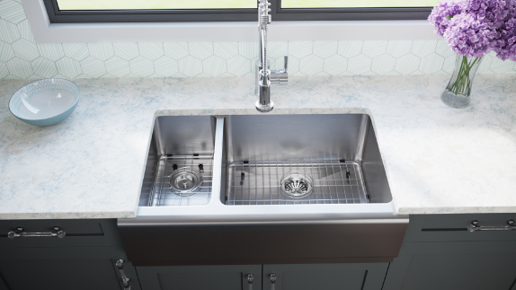 The apron sink has a long history, going as far back as 17th century England.