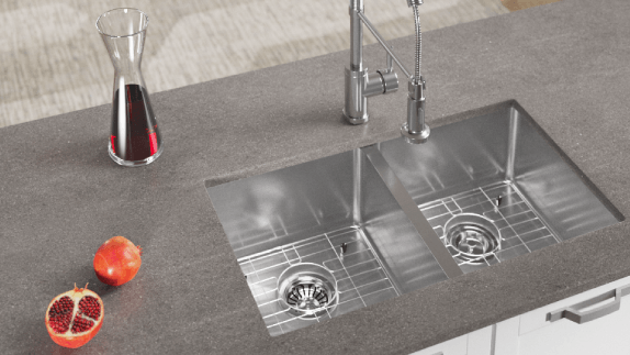 Our industrial sinks can take on any task and are easy to maintain